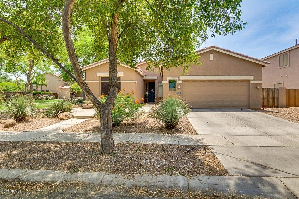 4662 S CALICO Road, Gilbert, AZ 85297