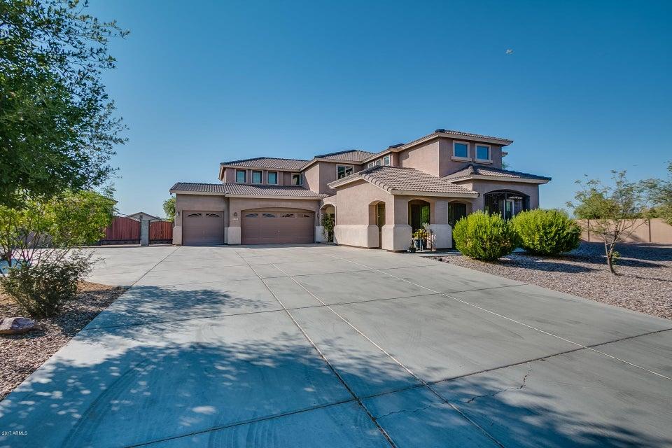 390 W Palomino Court, San Tan Valley, AZ 85143