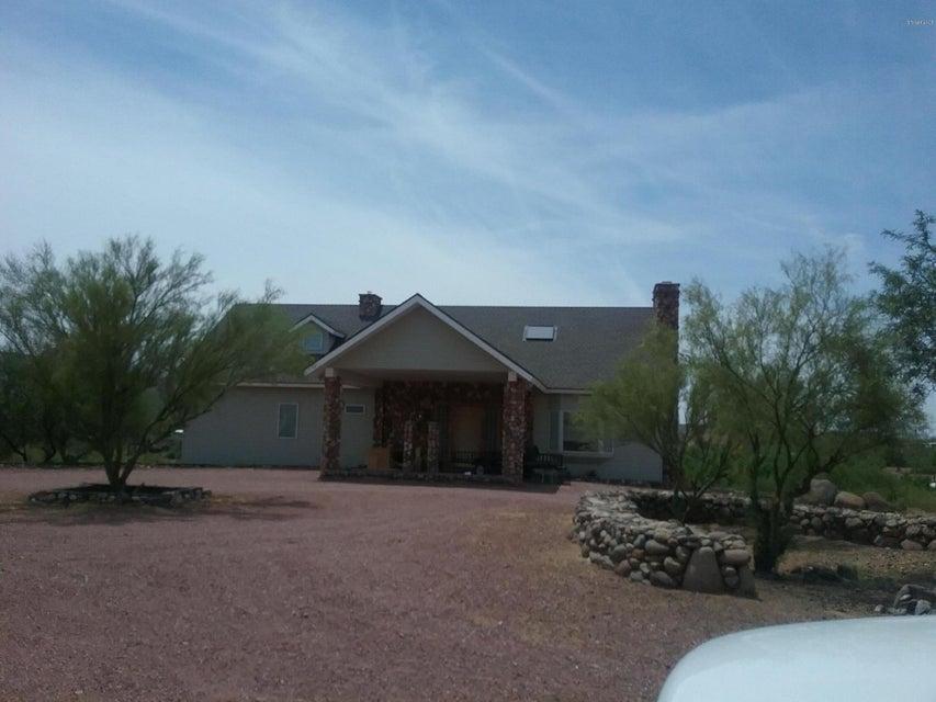 19491 E Indian Hills Dr, Black Canyon City, AZ 85324