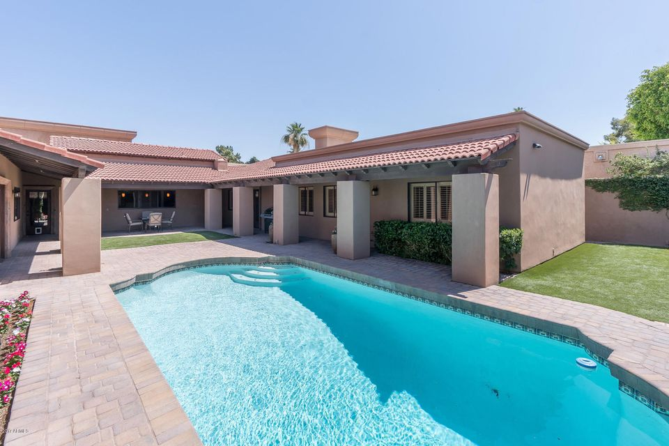 Single Family Home for Sale at 2413 E Montebello Avenue Phoenix, Arizona,85016 United States