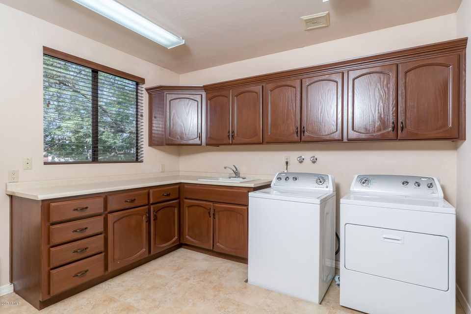 Additional photo for property listing at 2413 E Montebello Avenue  Phoenix, Arizona,85016 United States