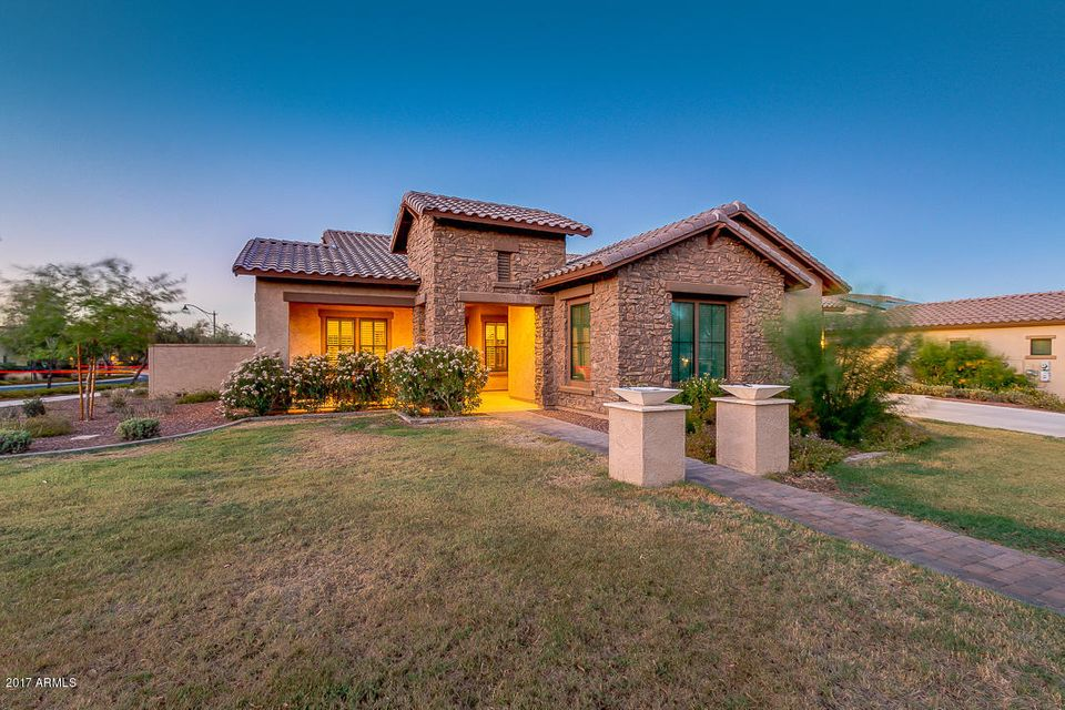 20412 W CRESCENT Drive, Buckeye, AZ 85396