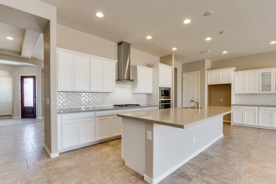 18386 W GOLDENROD Street, Goodyear, AZ 85338