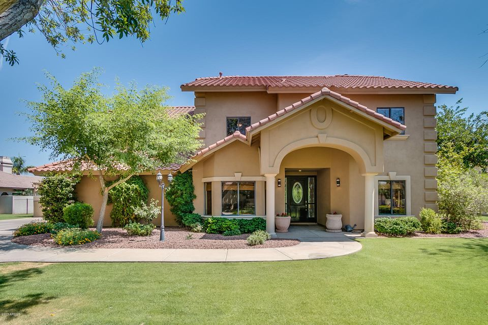 Photo of 1340 W ISLAND Circle, Chandler, AZ 85248