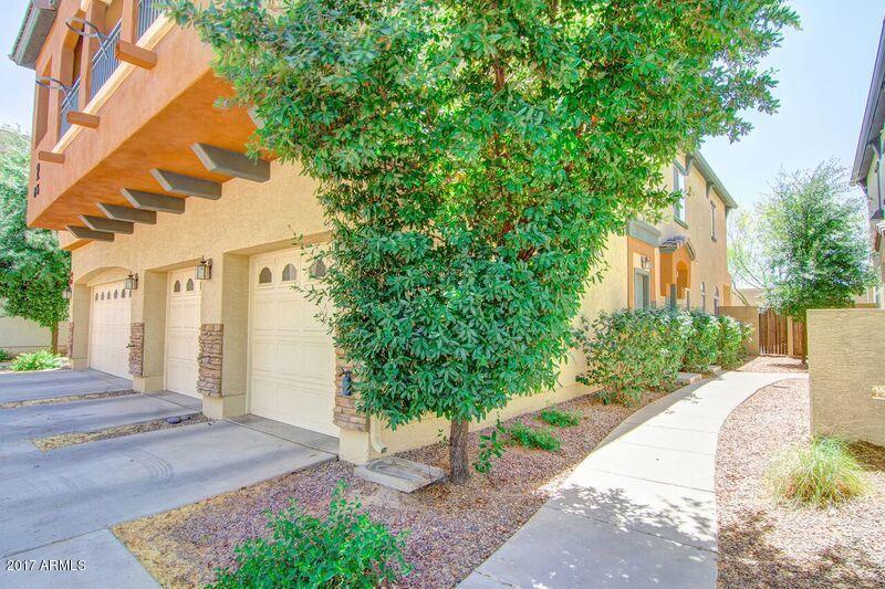 MLS 5620010 2727 N PRICE Road Unit 6, Chandler, AZ Chandler AZ Gated