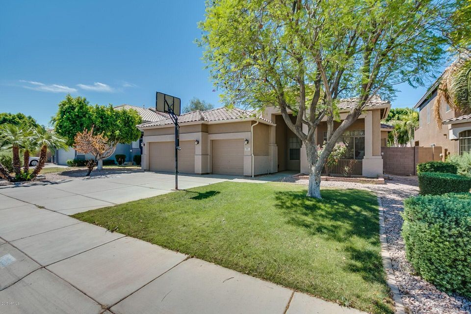 865 W LAUREL Avenue, Gilbert, AZ 85233