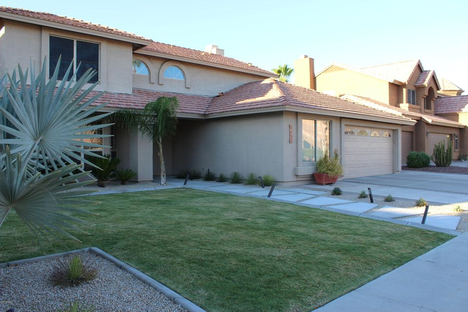 6752 W TONTO Drive, Glendale, AZ 85308