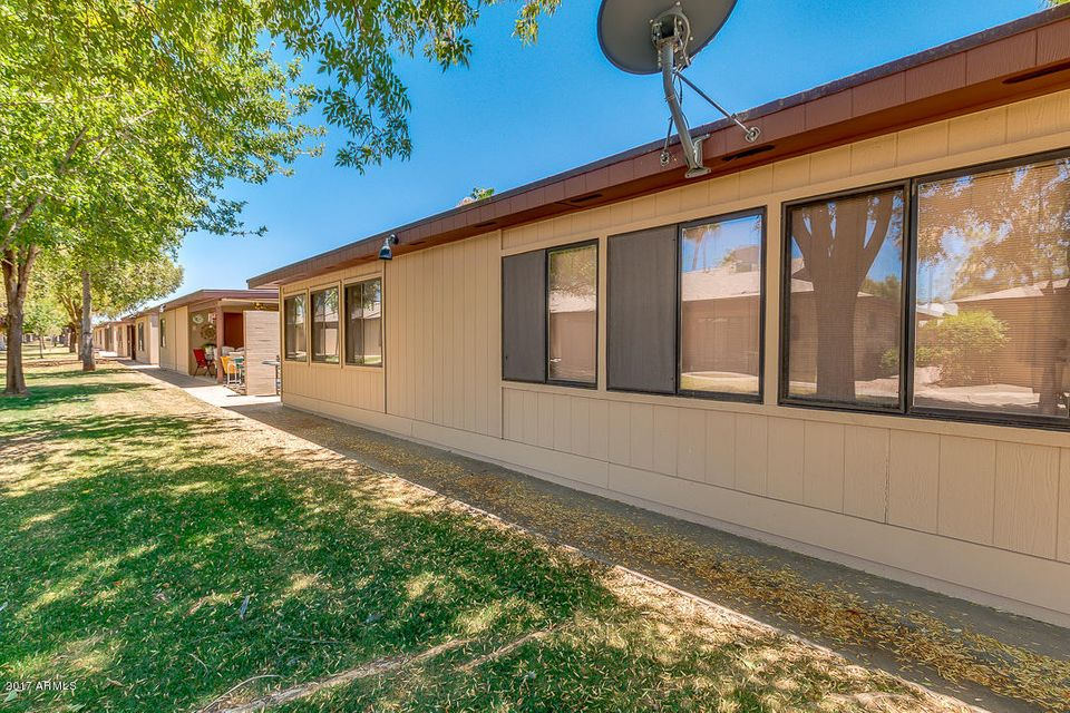 MLS 5621158 2064 S FARNSWORTH Drive Unit 47, Mesa, AZ 85209 Mesa AZ Sunland Village East