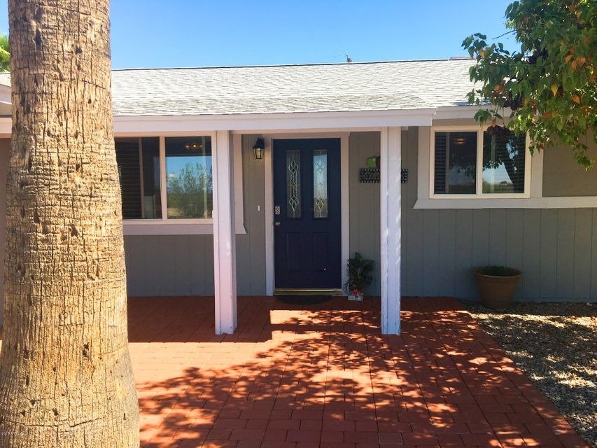590 W SOUTHERN Avenue, Apache Junction, AZ 85120