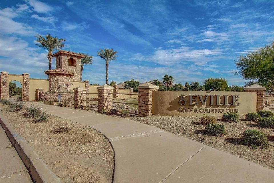 Photo of 6574 S LEGEND Court, Gilbert, AZ 85298