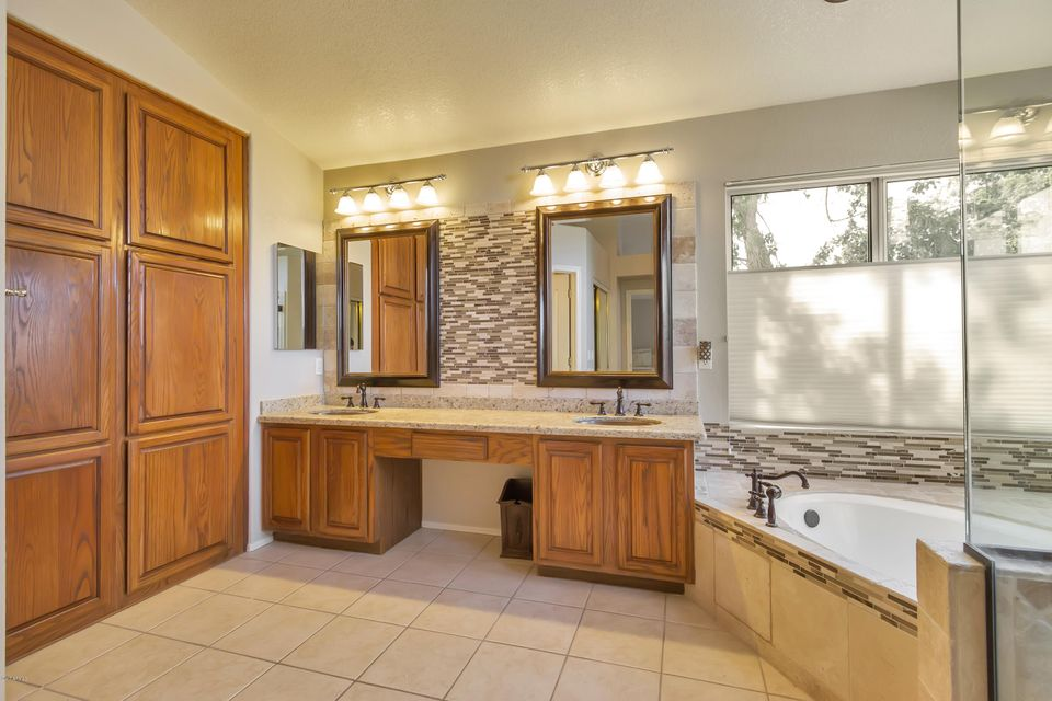 2714 E AMBERWOOD Drive Phoenix, AZ 85048 - MLS #: 5622156
