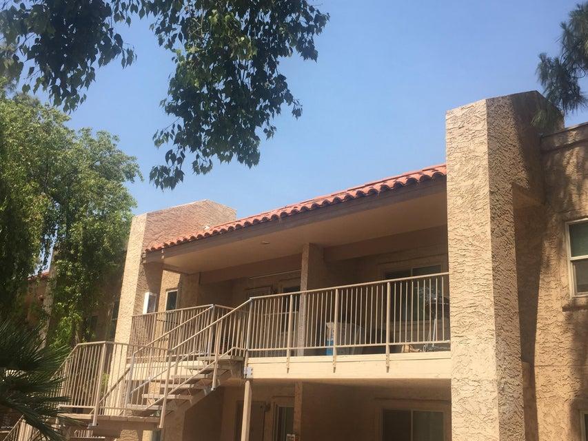 2220 W DORA Street 202, Mesa, AZ 85201