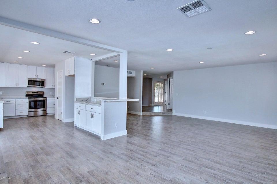 206 W SURREY Avenue, Phoenix, AZ 85029