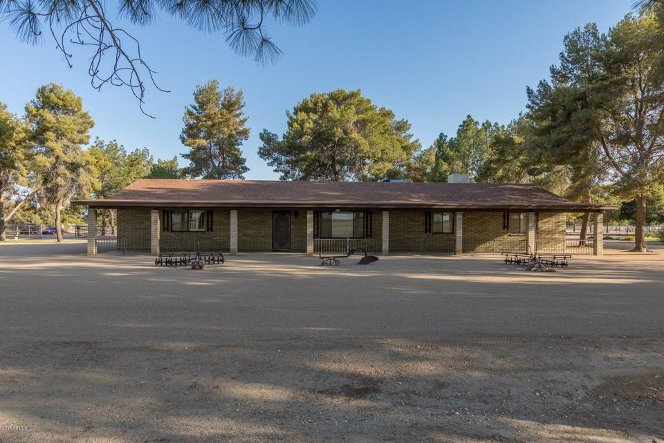 17325 W PEORIA Avenue, Waddell, AZ 85355