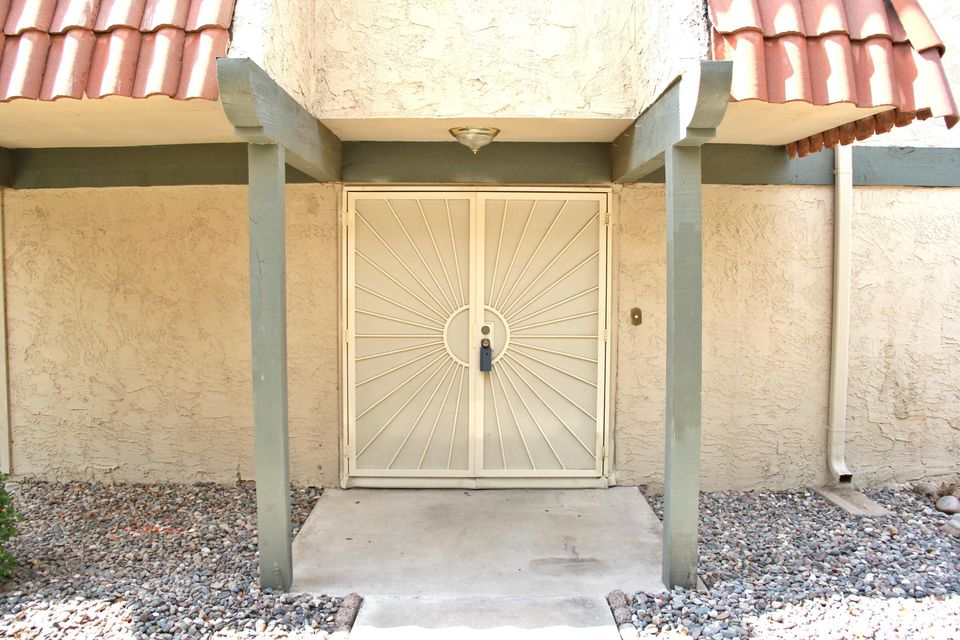 6056 W GOLDEN Lane, Glendale, AZ 85302