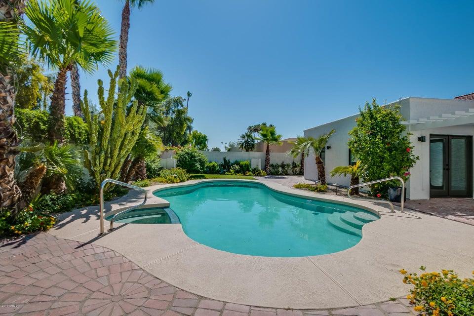 7332 E CLAREMONT Street, Scottsdale, AZ 85250
