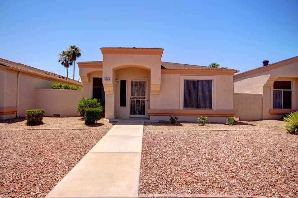 19910 N GREENVIEW Drive, Sun City West, AZ 85375