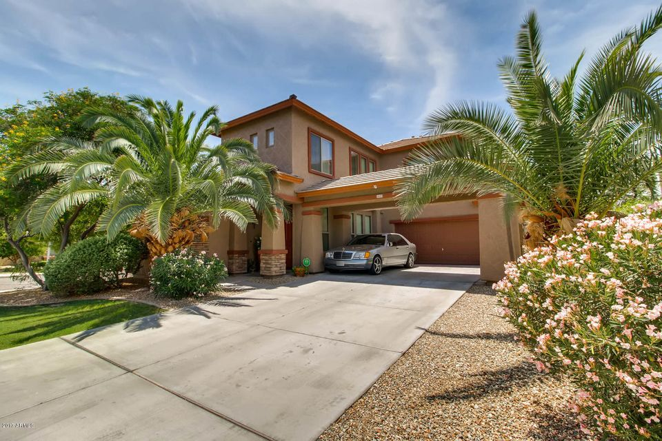 15123 W SMOKEY Drive, Surprise, AZ 85374