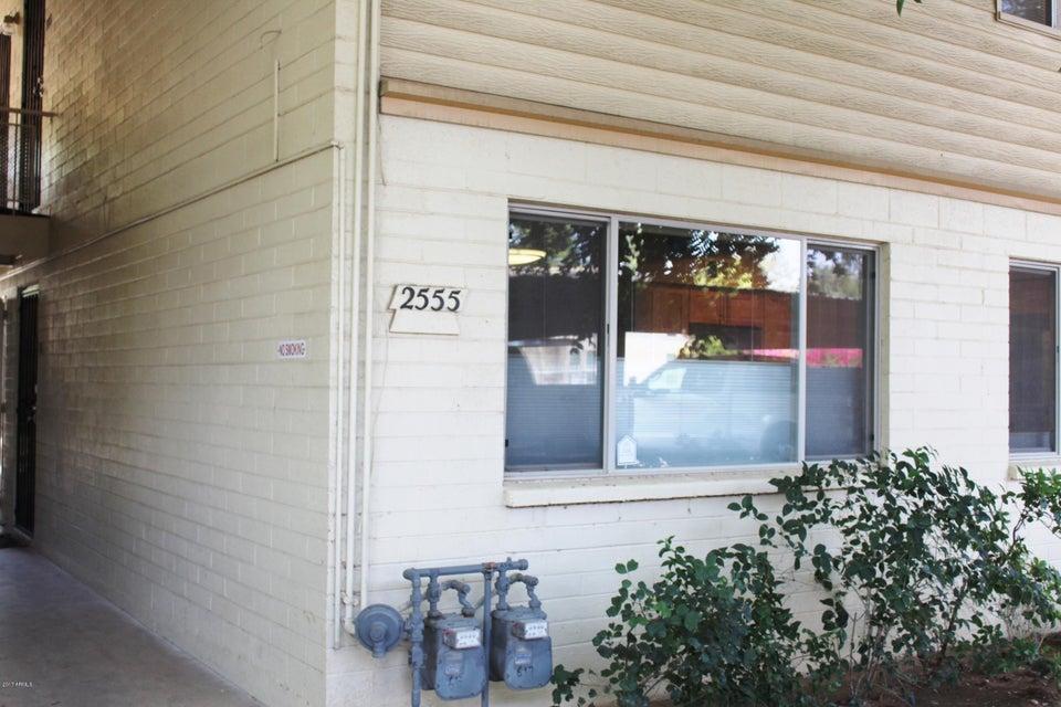 Photo of 2555 W ROSE Lane #A106, Phoenix, AZ 85017
