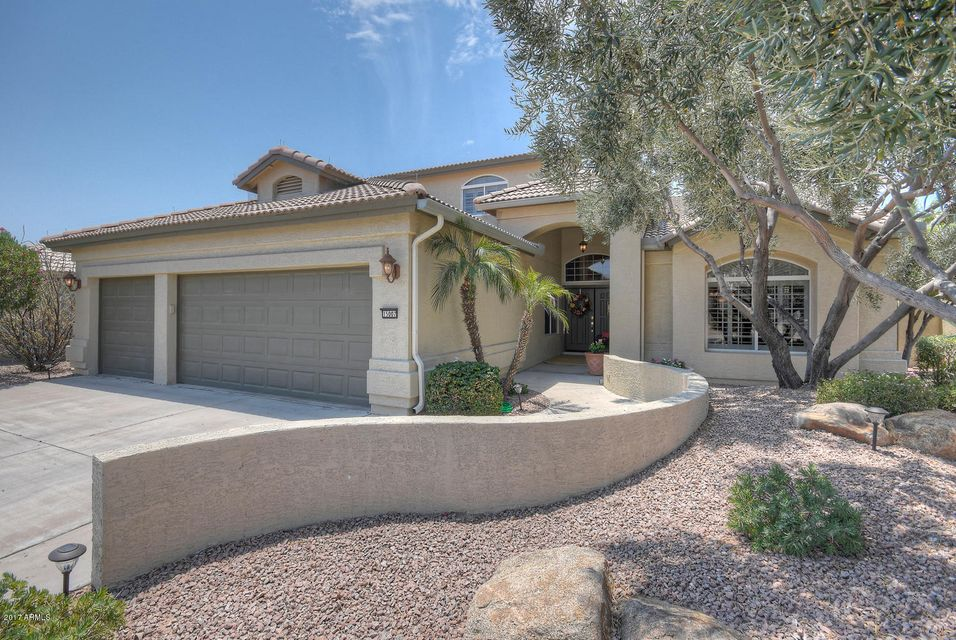 Photo of home for sale at 15007 PINCHOT Avenue W, Goodyear AZ