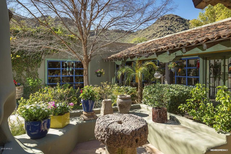 MLS 5704291 5665 E Mockingbird Lane, Paradise Valley, AZ Paradise Valley Horse Property for Sale