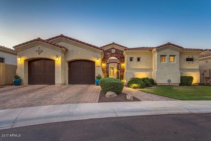 1524 W WINTER Drive, Phoenix, AZ 85021