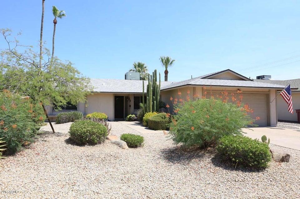 8730 E WELDON Avenue, Scottsdale, AZ 85251