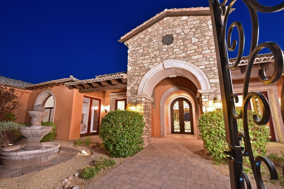 Photo of 11709 E DREYFUS Avenue, Scottsdale, AZ 85259