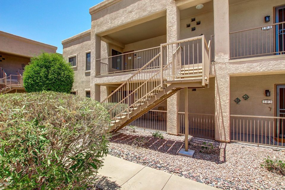 Photo of 16631 E WESTBY Drive #202, Fountain Hills, AZ 85268