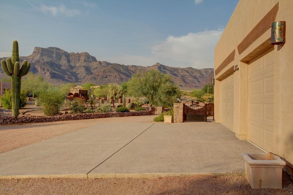 MLS 5631080 6357 E 14TH Avenue, Apache Junction, AZ 85119 Apache Junction AZ One Plus Acre Home