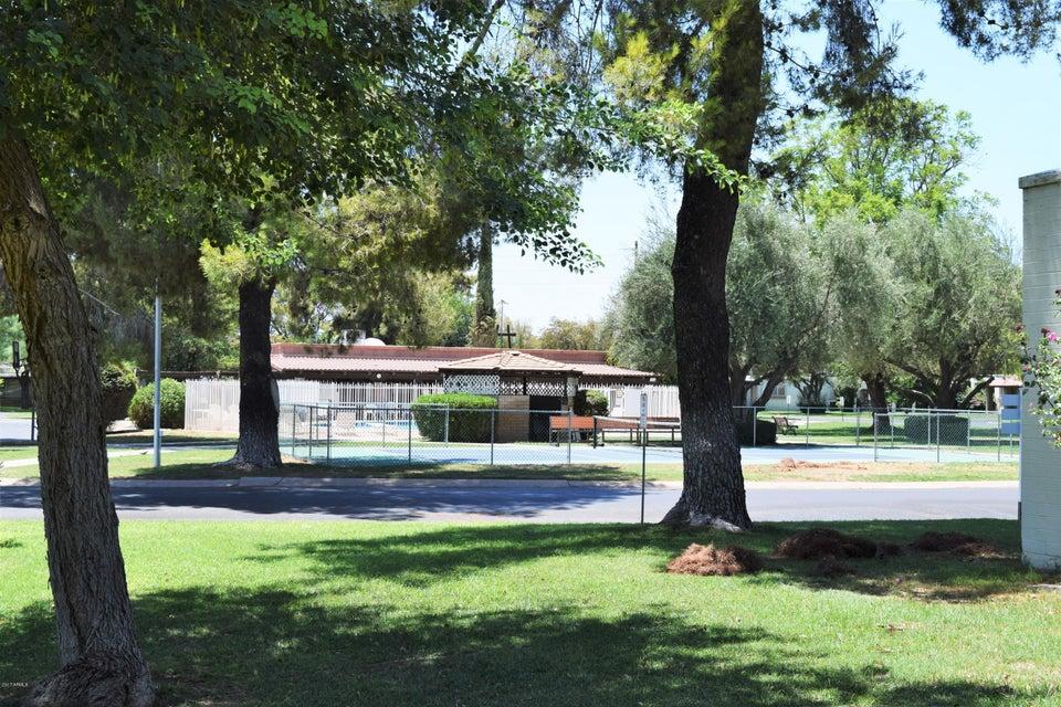 MLS 5631522 131 N HIGLEY Road Unit 69, Mesa, AZ 85205 Mesa AZ Dreamland Villa