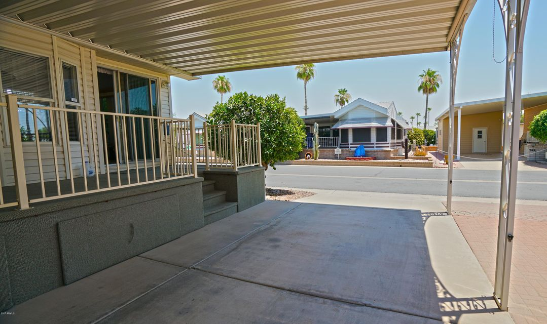 MLS 5634245 111 S GREENFIELD Road Unit 734, Mesa, AZ Mesa AZ Gated