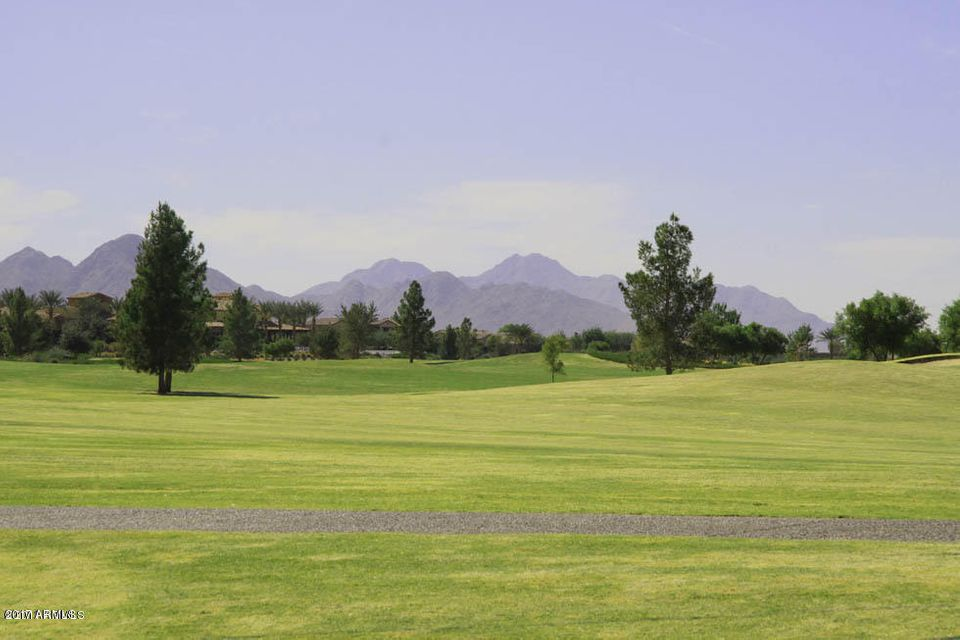MLS 5633202 860 E SILVERSWORD Lane, San Tan Valley, AZ 85140 San Tan Valley AZ Three Bedroom