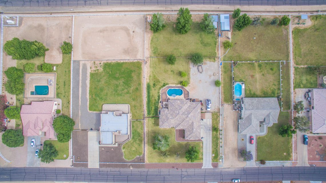 MLS 5601450 17818 W Stella Lane, Waddell, AZ Waddell AZ Private Pool