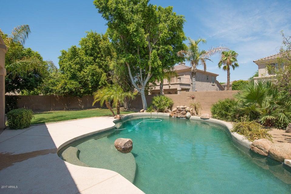 6172 W KERRY Lane, Glendale, AZ 85308