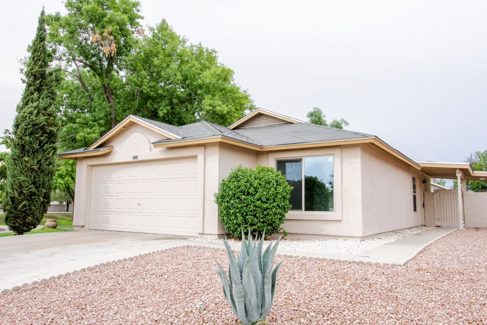 6456 W LAWRENCE Lane, Glendale, AZ 85302