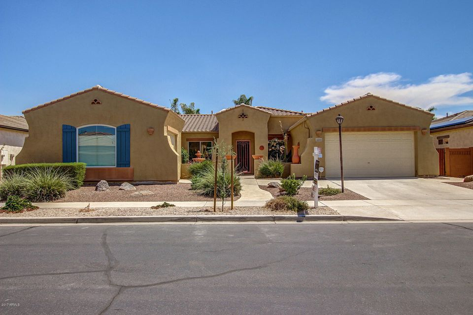 2205 E Crescent Place, Chandler, AZ 85249