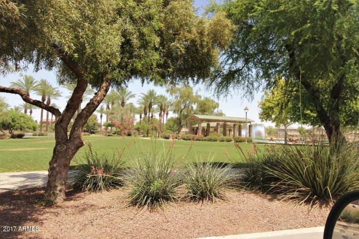 MLS 5640408 42567 W BUNKER Drive, Maricopa, AZ Maricopa AZ Golf