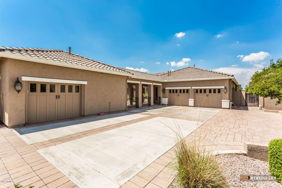 MLS 5574801 3260 E VALLEJO Court, Gilbert, AZ 85298 Golf Homes