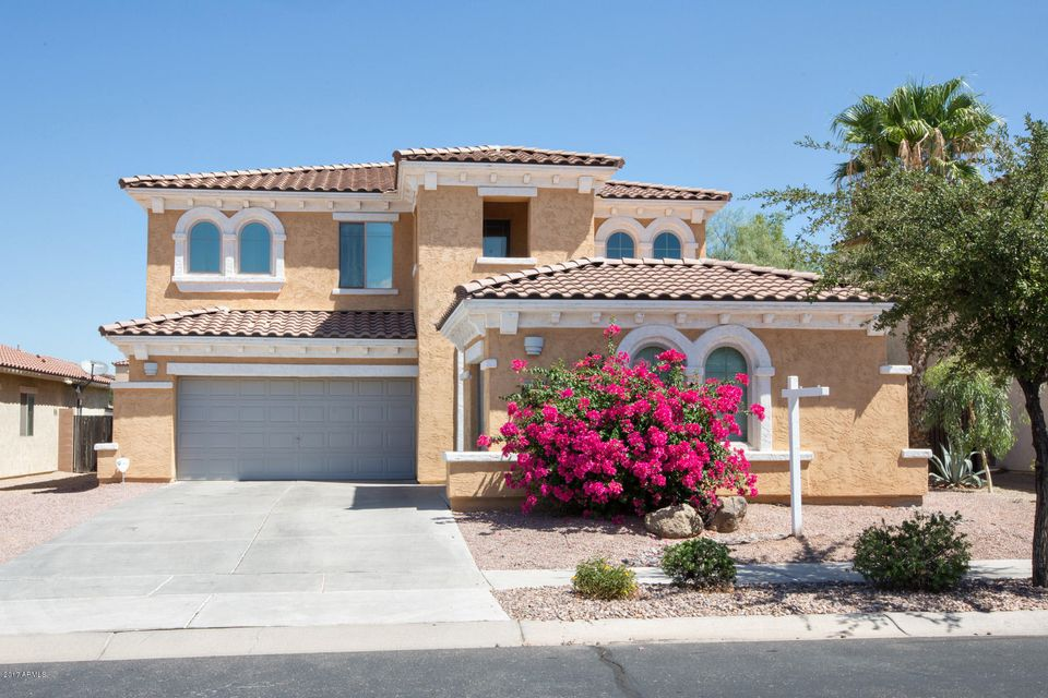 Photo of 864 E INDIAN WELLS Place, Chandler, AZ 85249