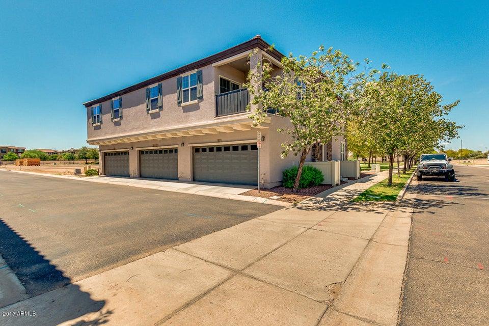 MLS 5646906 2726 S EQUESTRIAN Drive Unit 102, Gilbert, AZ 85295 Gilbert AZ Near Water