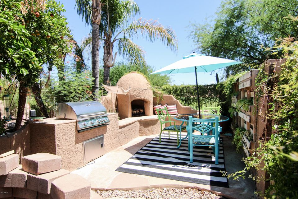 MLS 5647271 1335 S SANDSTONE Street, Gilbert, AZ Gilbert AZ Western Skies