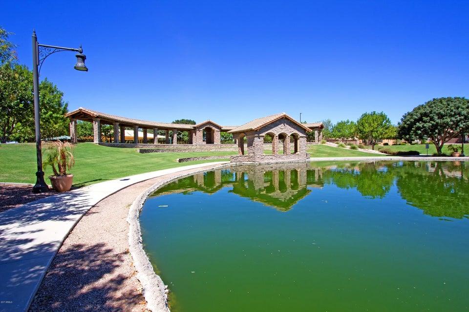 MLS 5647968 2948 E MAPLEWOOD Street, Gilbert, AZ 85297 Stratland Estates