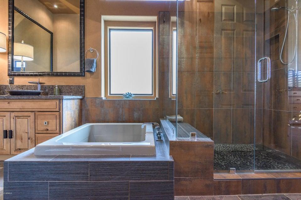 Additional photo for property listing at 23014 N 52nd Street 23014 N 52nd Street Phoenix, Arizona,85054 United States