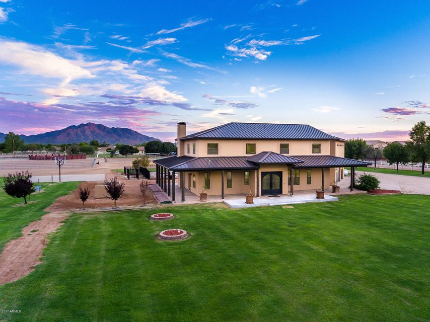 3637 E Brooks Farm Road, Gilbert AZ 85298