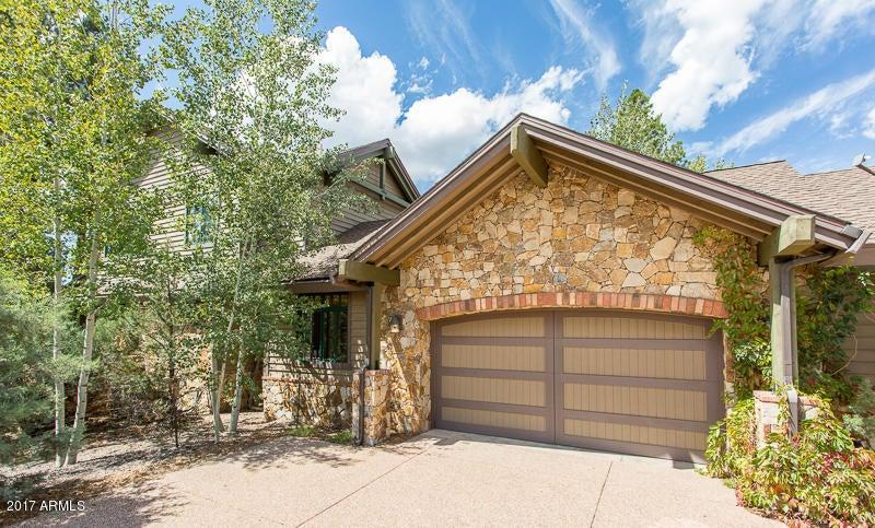 Photo of 1402 E CASTLE HILLS Drive, Flagstaff, AZ 86005