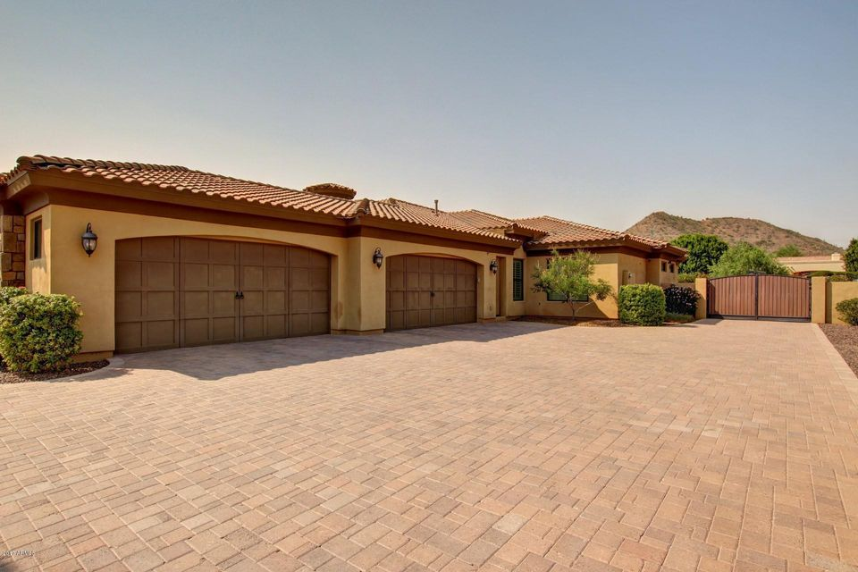 Photo of 8386 W PARK VIEW Court, Peoria, AZ 85383