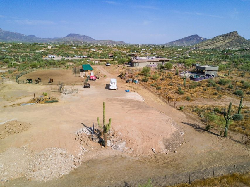 MLS 5658001 45242 N ZORRILLO Drive, New River, AZ New River AZ Equestrian