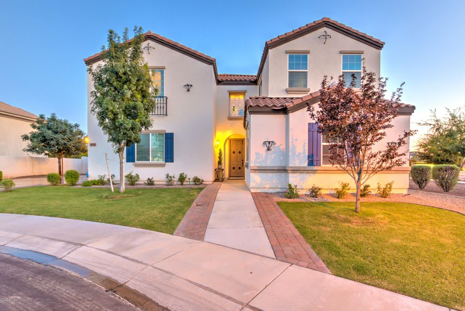 Photo of 4005 E BLUE RIDGE Place, Chandler, AZ 85249