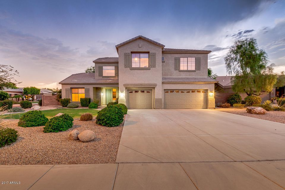 Photo of 1060 S EDITH Court, Chandler, AZ 85286